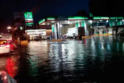 Lluvia deja inundaciones al Sur de la CDMX