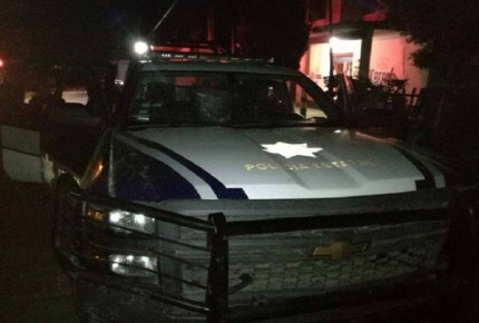 Huachicoleros agreden a policías en Puebla