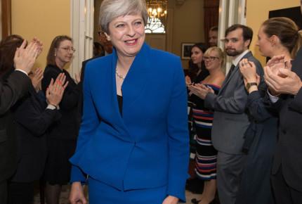 May va por el Brexit con minoría