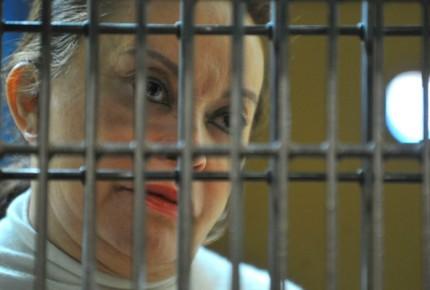 """Endurecen medidas cautelares de Gordillo; """"presa política"""", dice su abogado"""