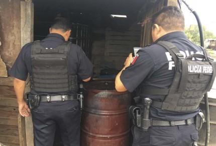 Desmantelan en Texcoco puntos de venta de huachicoleros