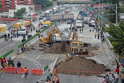 Reitera Morelos que sí advirtió sobre riesgos en Paso Exprés
