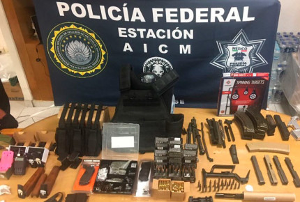 En paquetería de AICM decomisan partes de armas de alto calibre