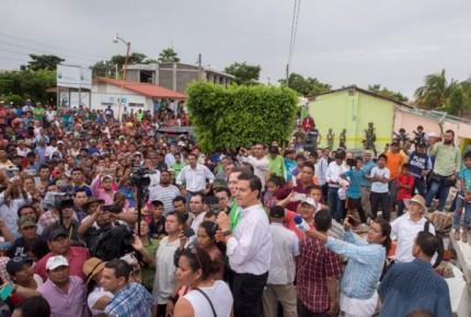 Peña reporta 300 mil damnificados; adelantó grito