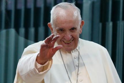 Papa participará en consultas sobre amnistía... ¡por Skype!