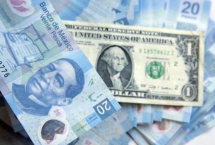 En espera del discurso de Trump, peso cae y dólar cierra en $19.05