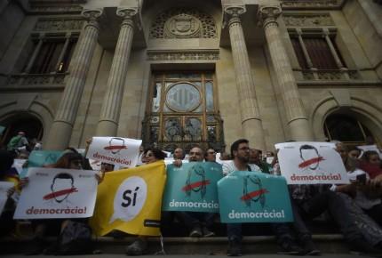 """Ve España inadmisible declaración """"implícita"""" de Puigdemont"""
