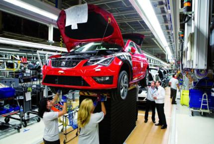 Urgen a reanudar actividades en industria automotriz
