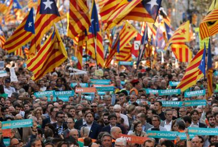 El gobierno español indulta a los líderes independentistas catalanes