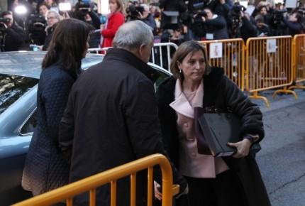 Presidenta del Parlamento catalán en prisión hasta pagar fianza