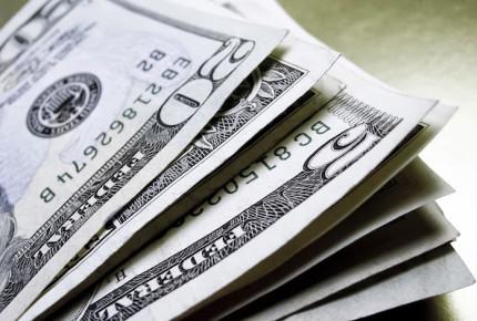 Limitan compra de dólares en Argentina tras elecciones