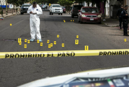 Asesinan en emboscada a tres policías en Puebla