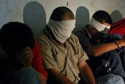 Rescatan a 8 migrantes en Tijuana; caen 2