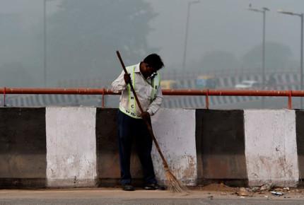 En India, la desigualdad marca el combate contra la contaminación