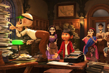 Superman y Batman no pueden con 'Coco' en EU