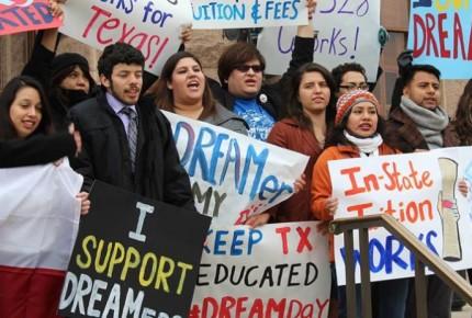 Dreamers mantienen lucha; México los respalda ante corte de NY