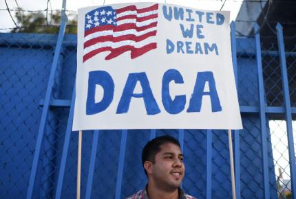 Gobierno de Trump restablece en su totalidad el DACA