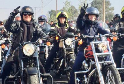 Anaya encabeza motociclistas en Edomex, promete continuar NAICM