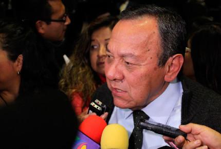 Zambrano acusa al PRI de aliarse con Morena para debilitar a Anaya