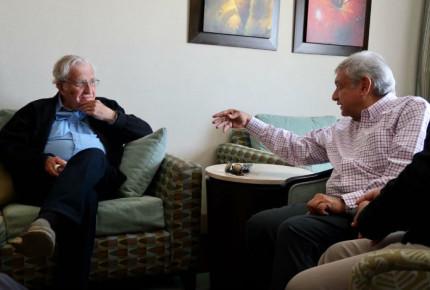 Tengo la simpatía de Chomsky para ser Presidente: AMLO