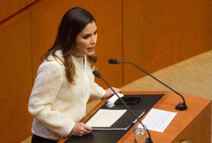 Ximena Puente renuncia a INAI; va como 'pluri' del PRI