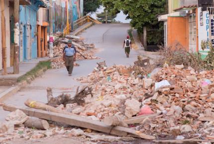 Retienen en Juchitán a funcionario de Sedatu