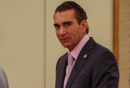 Luis Melgar renuncia a bancada del Verde; se dice independiente