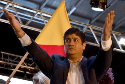 Oficialista sorprende y gana presidencia de Costa Rica
