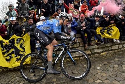 Conmoción por muerte de Goolaerts tras la París-Roubaix