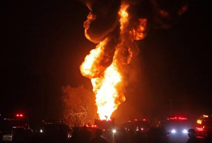 Se incendia toma clandestina en Tlajomulco