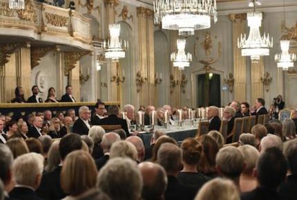 En medio del escándalo, dimiten 4 miembros de Academia sueca