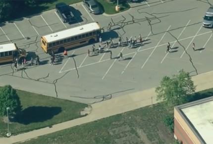 Tiroteo en escuela de Indiana deja dos heridos