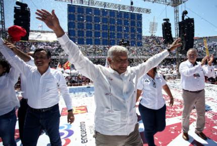 Morena asegura sabotaje para mitin de AMLO; gobierno de Yunes lo niega
