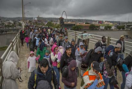 Inmigrantes bajo custodia de ICE mueren por mala atención médica