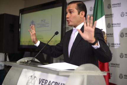 Capturan en CDMX al exfiscal de Javier Duarte, Luis Ángel Bravo