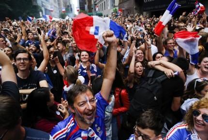 Francia pide a sus ciudadanos certificados de vacunación