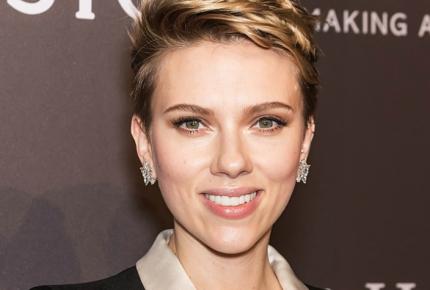 Avalancha de críticas obligan a Scarlett Johansson a dejar película