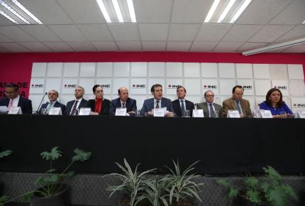 INE abre puerta a consulta sobre NAICM