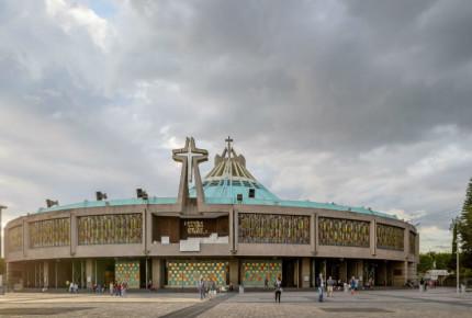 Sanitizan Catedral y Basílica de Guadalupe; alistan reapertura