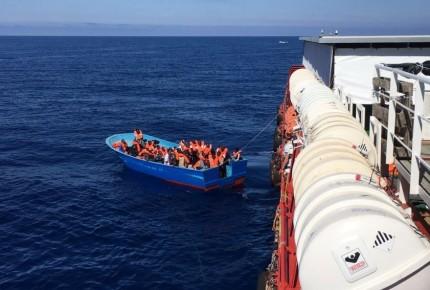 Naufragio en costas turcas deja 6 muertos; tres son bebés
