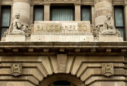 Banxico se dice dispuesto a colaborar creación de ley de divisas