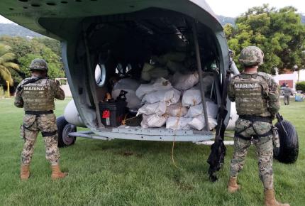 Marina decomisa dos toneladas de cocaína en Guerrero