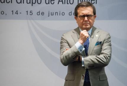 México frena arancel de 25% a 2.4 millones de vehículos