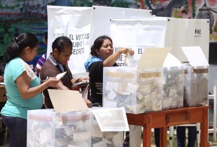 """""""Juanitas"""" se retractan de renuncias en Chiapas; INE ve aumento"""