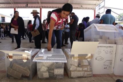 Chiapas ofrece garantías a 'Juanitas'; asistente de Velasco entraría al relevo