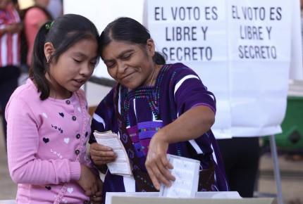 """Casi 40 """"juanitas"""" dejan cargos en Chiapas; INE condena """"simulación"""""""