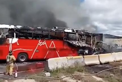 Choque en carretera Puebla-Orizaba deja un muerto y 20 heridos