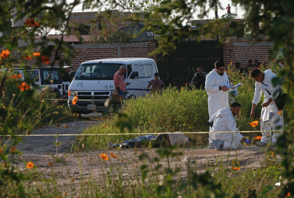 Suman 16 cuerpos encontrados en fosa de Tonalá (Jalisco)