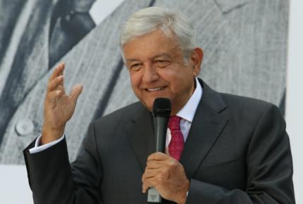 Ayuntamiento de Veracruz niega transmitir toma de AMLO