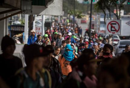 Sigue avance de migrantes; mil dejan Querétaro y 500 la CDMX